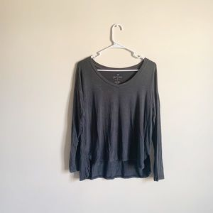 American Eagle Soft and Sexy High Low Long Sleeve